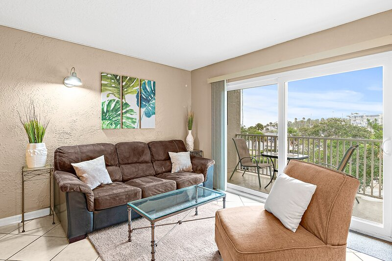 Comfort & Style at Melbourne Harbor in Historic Downtown, vacation rental in West Melbourne