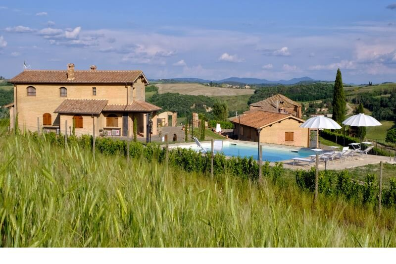 Pieve a Salti Farmhouse Sleeps 4 with Pool and Air Con - 5711326, vacation rental in Vergelle