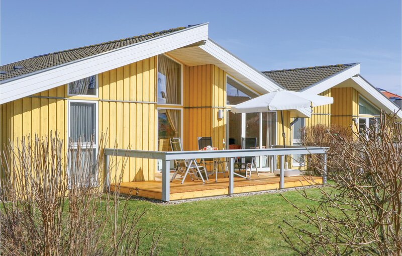 Awesome home in Rechlin with Sauna, WiFi and 2 Bedrooms (DMV746), holiday rental in Granzow