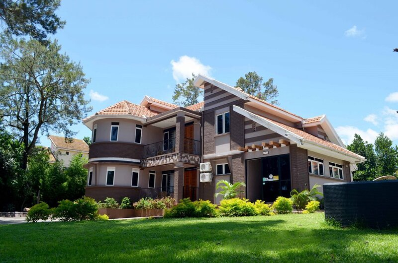 SAFFRON BEACH BISTRO AND COTTAGES, vacation rental in Entebbe