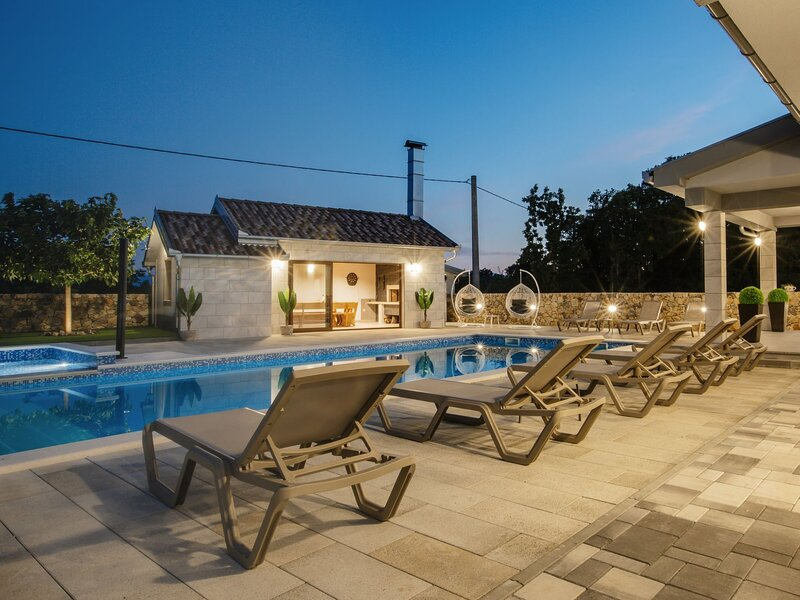 Oasis of peace, holiday rental in Donji Prolozac