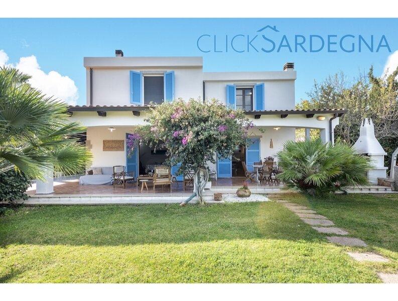 Alghero, Villa Josephine with spectacular swimming pool, for 8 guests, casa vacanza a Villanova Monteleone