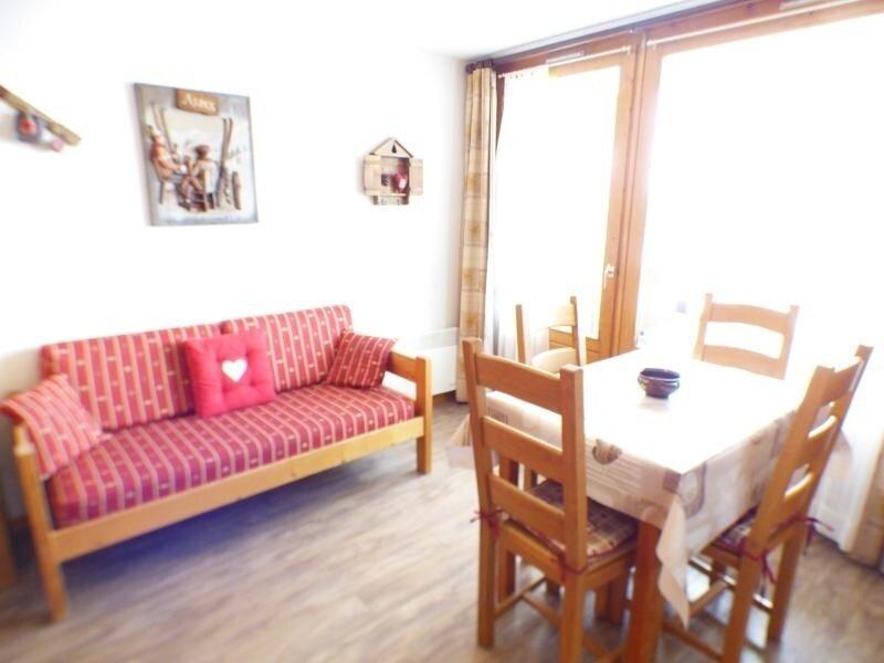 studio cabine 30 m², orienté SUD, classé 2**, holiday rental in Les Saisies