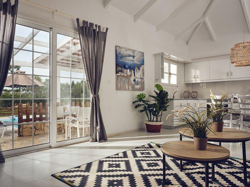 Periyali Villas - Erato 3-bedroom Private Pool Villa, holiday rental in Vasilikos
