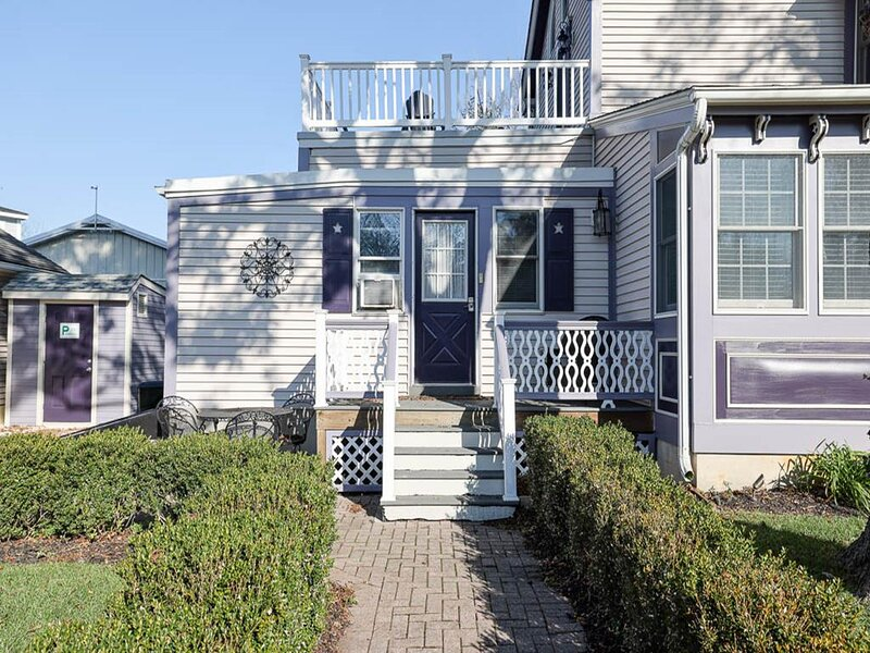 Updated 1BR/1BA Apt in close proximity to town 141407, holiday rental in West Cape May