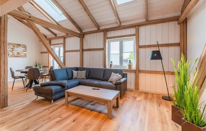 Nice apartment in Langenhorn with WiFi and 2 Bedrooms (DSH842), vacation rental in Hattstedtermarsch