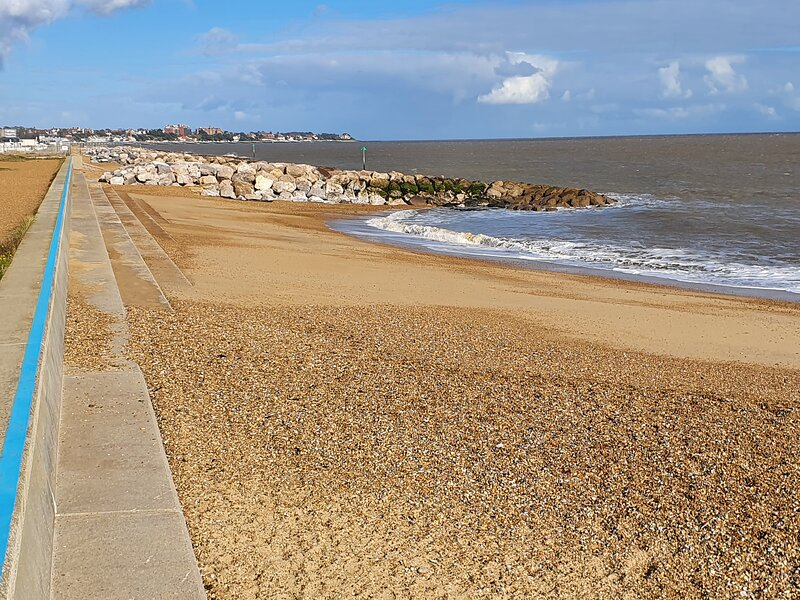 Stunning 2 Bed Holiday Home On the Sandy Beach, alquiler vacacional en Felixstowe