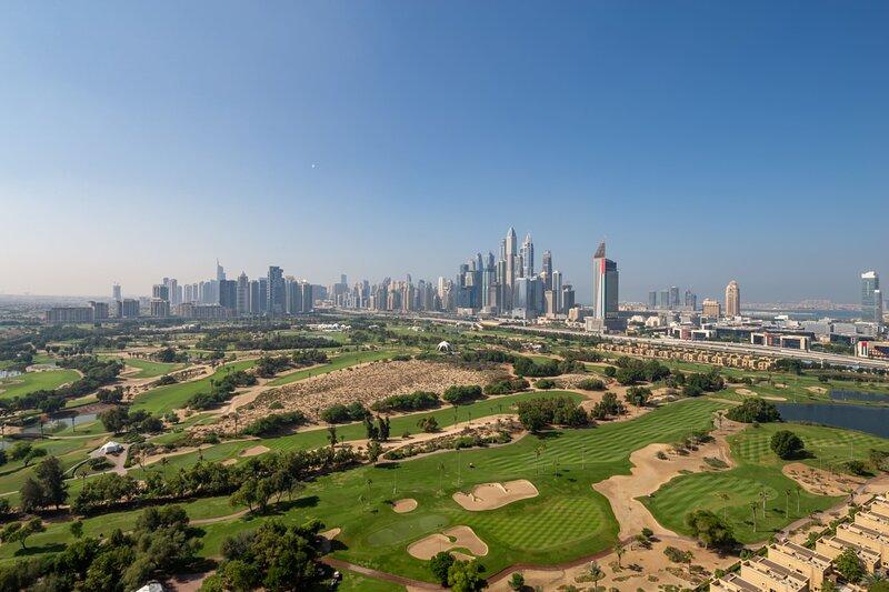 Golf Course & Dubai Skyline Views