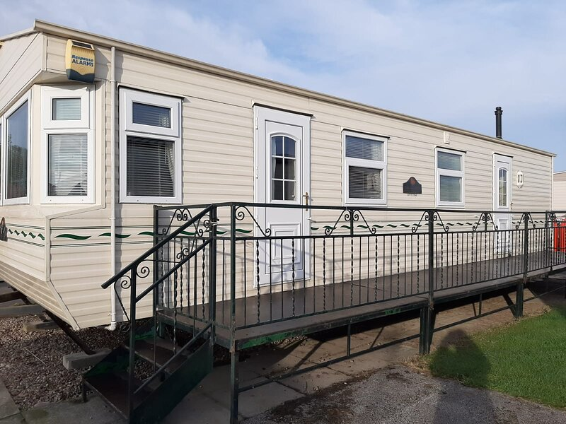 6 Berth Central Heated The Wolds (Salisbury), vacation rental in Ingoldmells