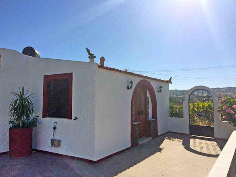 Villa Vineyard, Ferienwohnung in Siteia