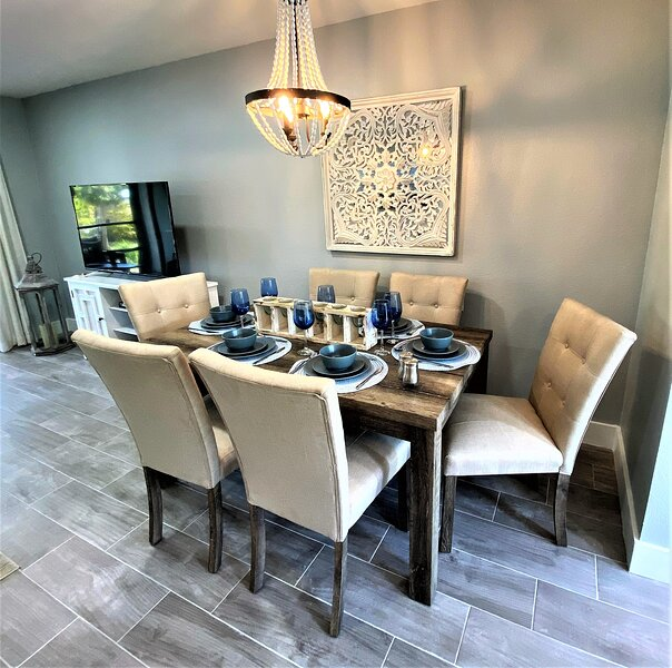 Owners Featured on HGTV- Decorator Touches - Steps 2 Sea, vacation rental in Fort Myers Beach