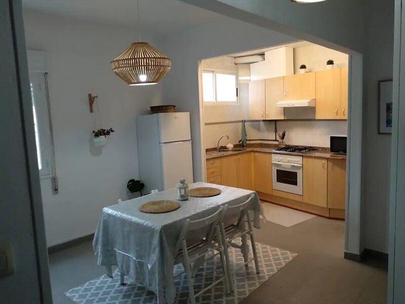 Apartment - 2 Bedrooms with WiFi - 108791, alquiler de vacaciones en El Grove