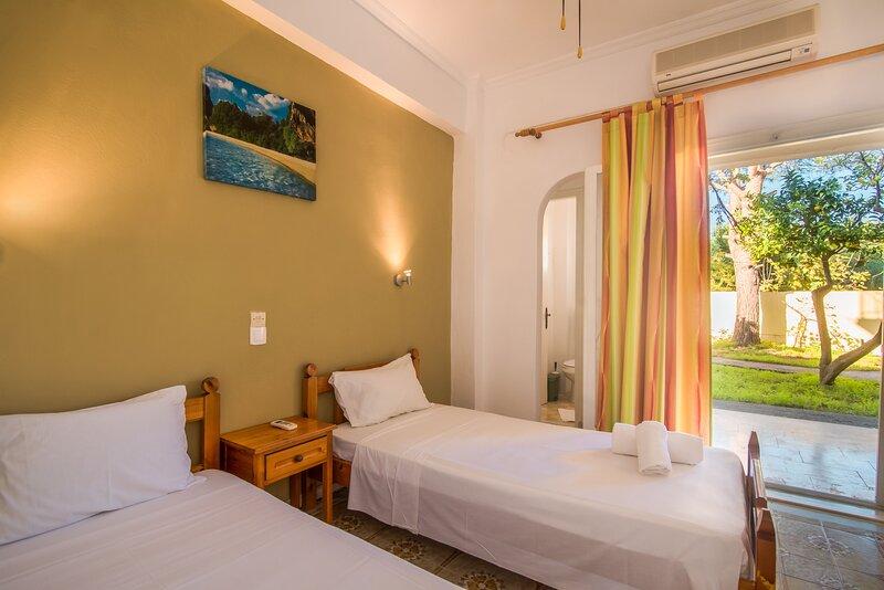 SouthGate 2, location de vacances à Agios Georgios