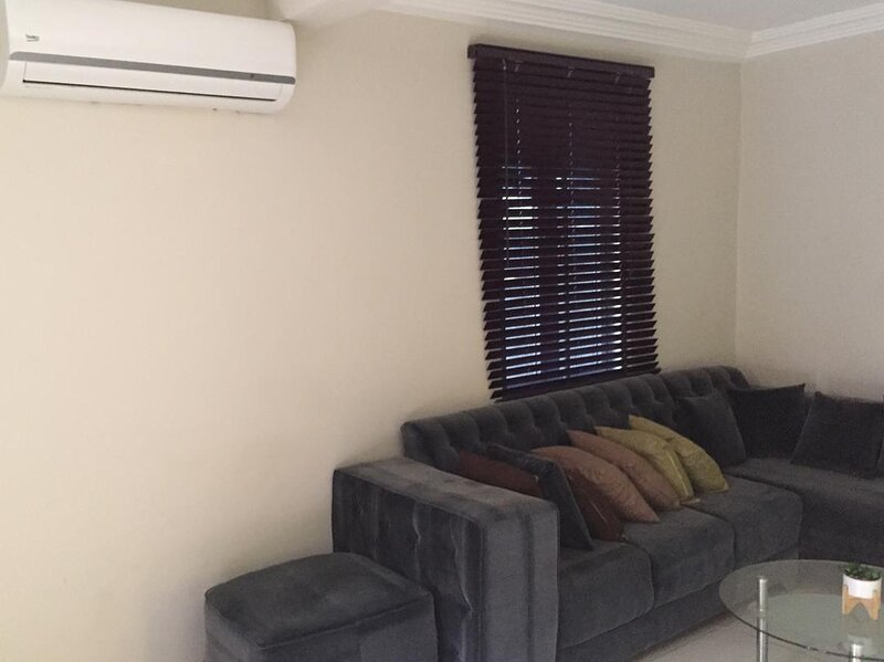Fully furnished 2 bedroom apartment, holiday rental in Abokobi