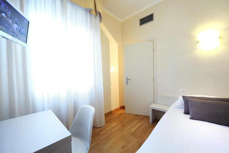 Hotel Rosabianca single room, holiday rental in Bellariva