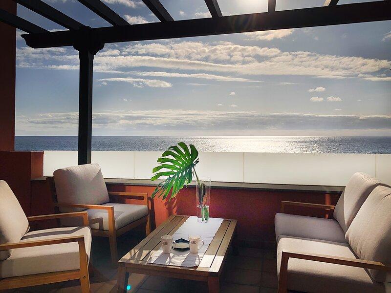 Atico bonito con vistas al mar en Santa Cruz de La Palma, location de vacances à San Andres y Sauces