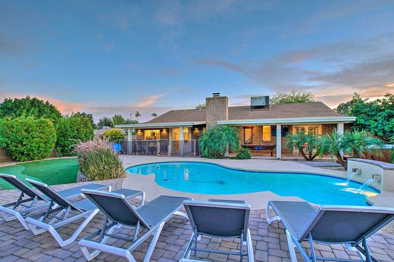 Phoenix Vacation Rental Home   6 BR   3 BA   3,000 Sq Ft
