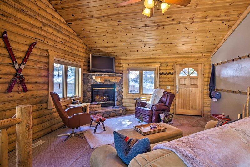 NEW! Quiet Mountain Cabin w/ Deck: Hike, Fish, Ski, alquiler de vacaciones en Alma