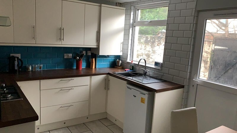 Great 3 Bedroom House Anfield With Free St Parking, location de vacances à Aintree