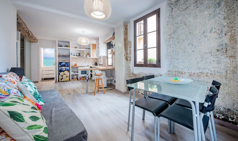 TH121-Vintage-Apartment, holiday rental in Les Masies Catalanes