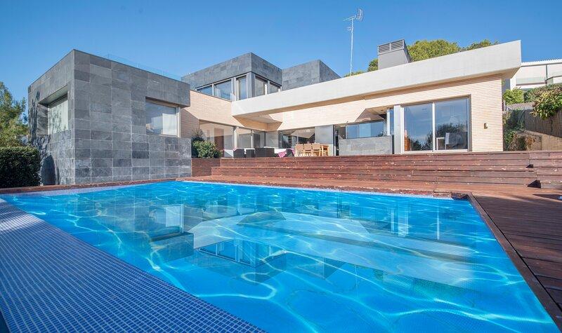 TH07-Limonium Deluxe Villa, holiday rental in Altafulla
