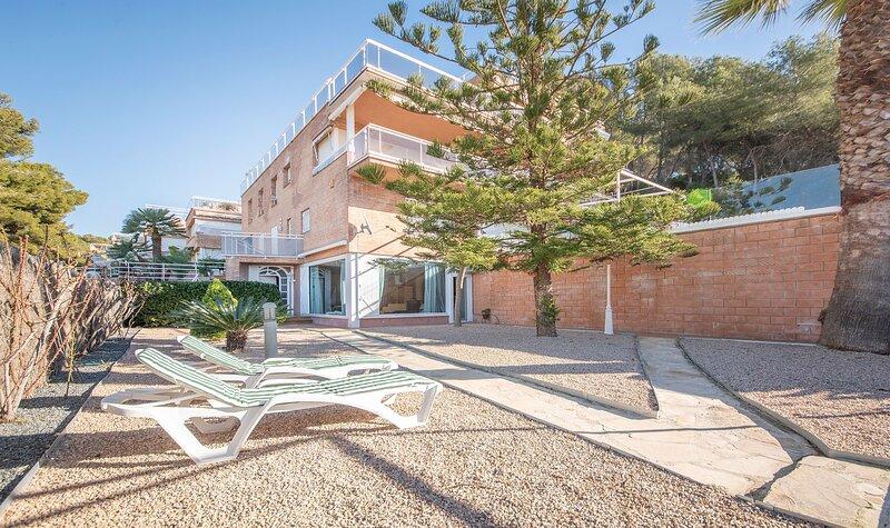 TH29-Playa-La-Mora, holiday rental in La Riera de Gaia