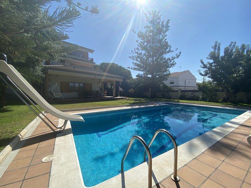 TH64-Villa-Creixell, casa vacanza a Bonastre