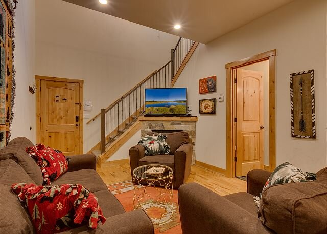 Cozy living room open to kitchen