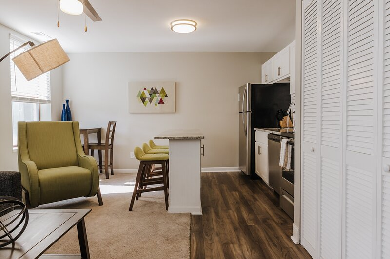 Open concept living & dinning area