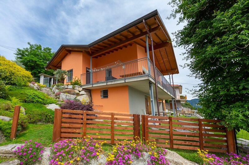 Villa Laura, holiday rental in Caravate