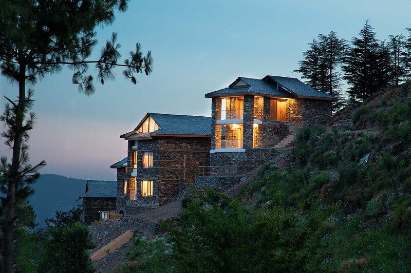 Daafi House by Vista Rooms, holiday rental in Shimla