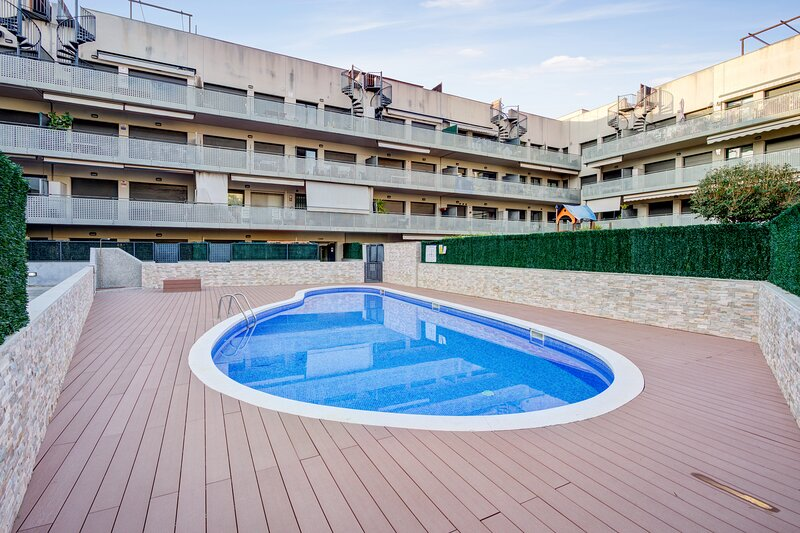 Nice apartment with shared pool, holiday rental in Sant Salvador