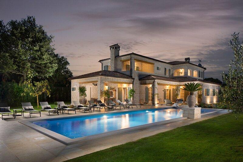 Villa Terra Verde with Pool, holiday rental in Vidulini