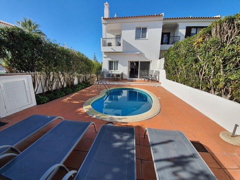 Quinta do Lago Villa Sleeps 6 with Pool Air Con and WiFi - 5874270, holiday rental in Quinta do Lago