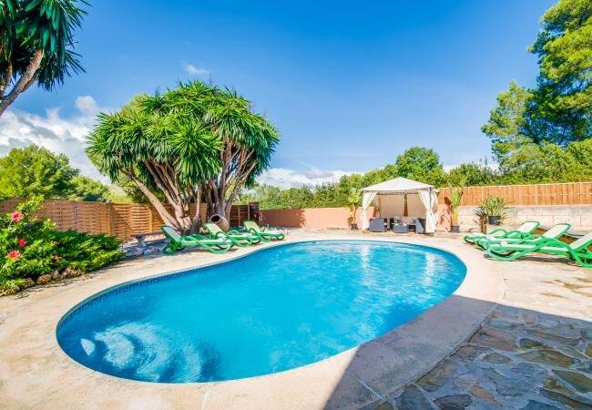 Cala Mesquida Holiday Home Sleeps 5 with Pool Air Con and WiFi - 5874345, holiday rental in Cala Mesquida