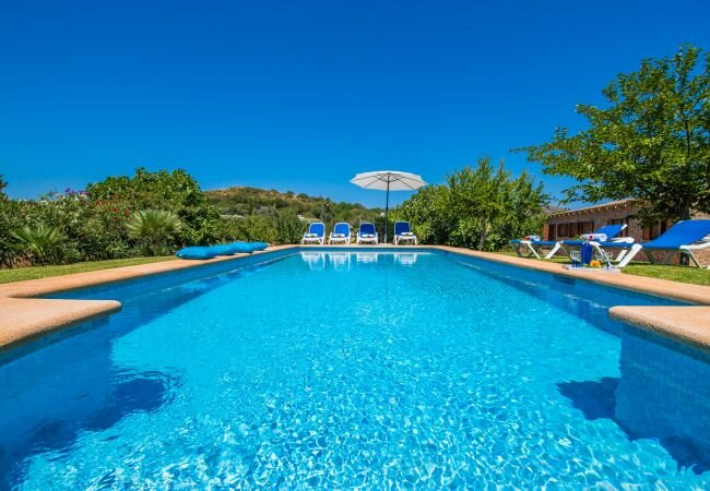 Capdepera Holiday Home Sleeps 7 with Pool and WiFi - 5874357, location de vacances à Capdepera