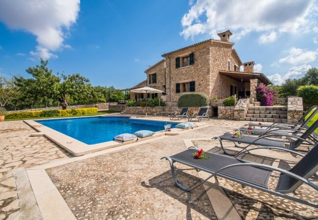 Muro Holiday Home Sleeps 6 with Pool Air Con and WiFi - 5874383, holiday rental in Muro