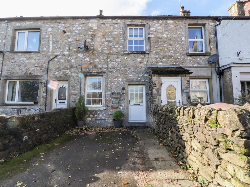 Hellifield Cottage, Hellifield, holiday rental in Kirkby Malham
