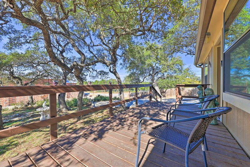 Outdoor Space   Furnished Deck   Patio w/ Fire Pit   Fenced Yard