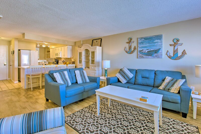 Indian Beach Vacation Rental Condo | Elevator Access | 3BR | 2BA | 1,365 Sq Ft