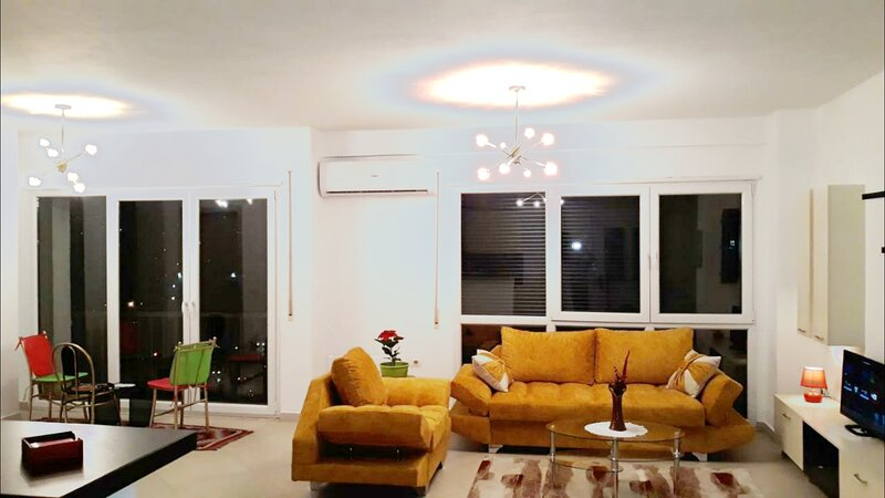 Located in the main road, in front of the bus station & 10 min away from center, holiday rental in Tirana