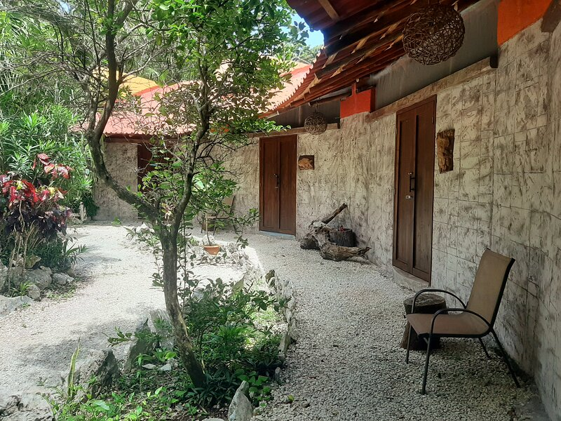 La Cueva del Tapir  with a Private Cenote., holiday rental in Cancun