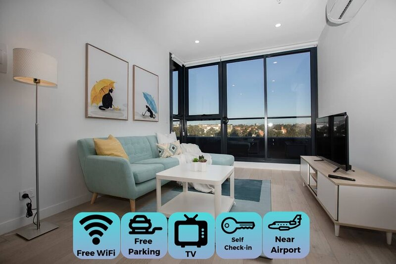 Stunning 2 bdrms  APT*Parkville「Free carpark+wifi」, holiday rental in Moreland