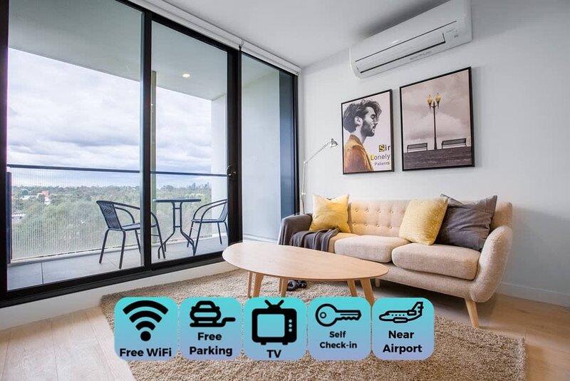 Designer 2 bdrms APT*Parkville「Free carpark+wifi」, alquiler de vacaciones en Keilor Downs