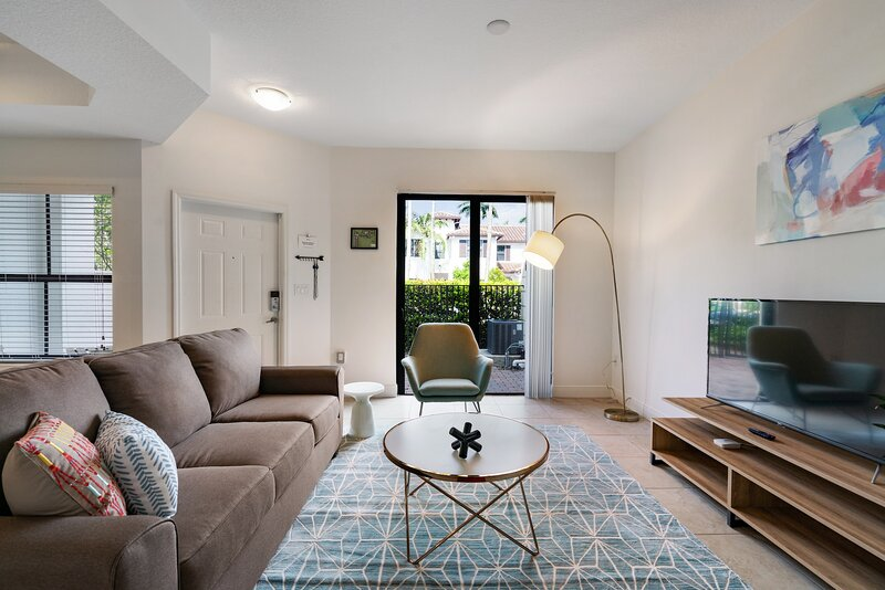 Kasa | 2BD Near Pine Island Ridge Natural Area | Fort Lauderdale Davie, vacation rental in Plantation