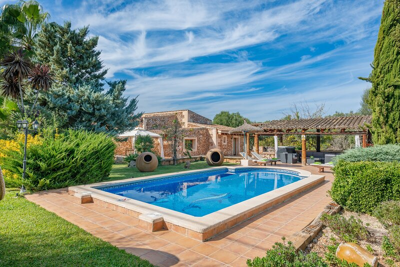 CAS MOSTATXET (SENCELLES) - Villa for 9 people in Sencelles, vacation rental in Santa Eugenia