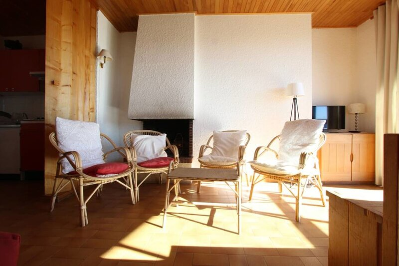 Cap 2000❤️3-rooms apartment for 8 people at the foot of the slopes ! #F1, casa vacanza a Uriage les Bains