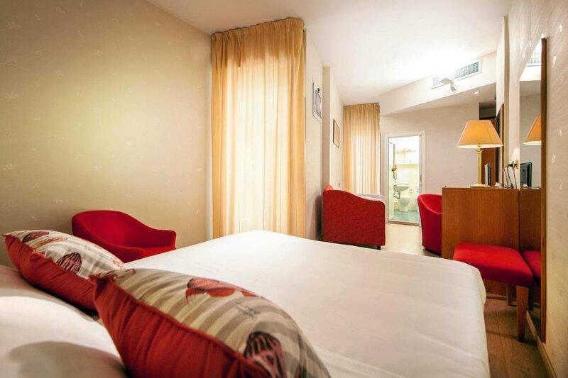 Hotel Kursaal triple room, holiday rental in Bellariva