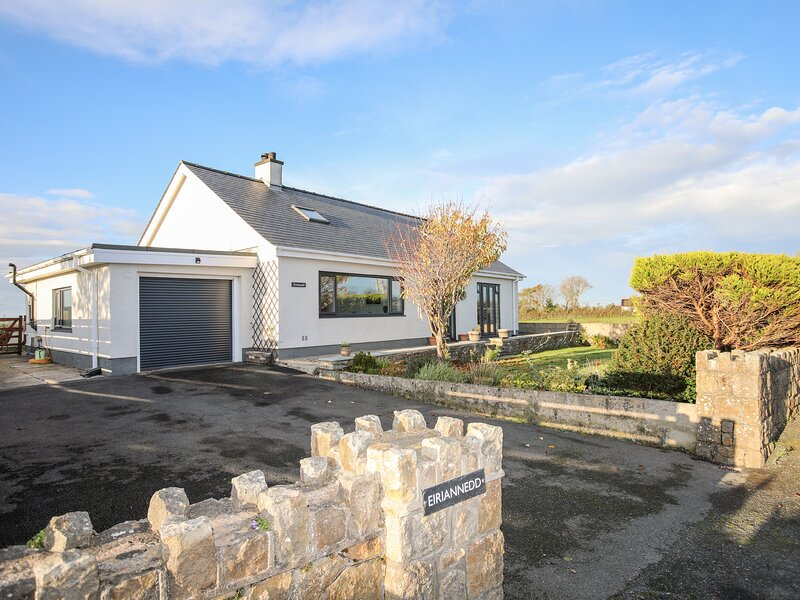 Eiriannedd, Newborough, holiday rental in Dwyran