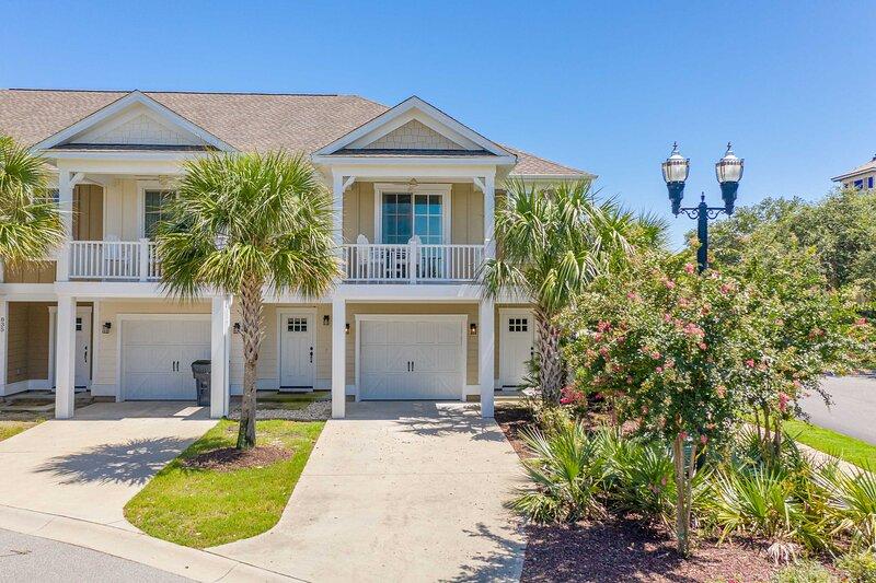Luxury N. Myrtle Beach Villa: Resort Amenities!, holiday rental in Arcadian Shores
